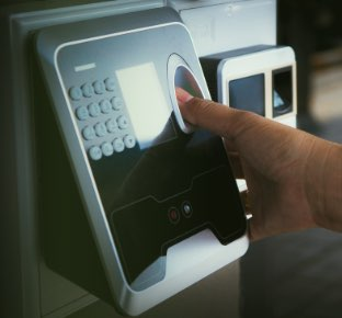 Servicio de control de accesos para empresas en Logroño